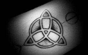 tattoo de triquetra